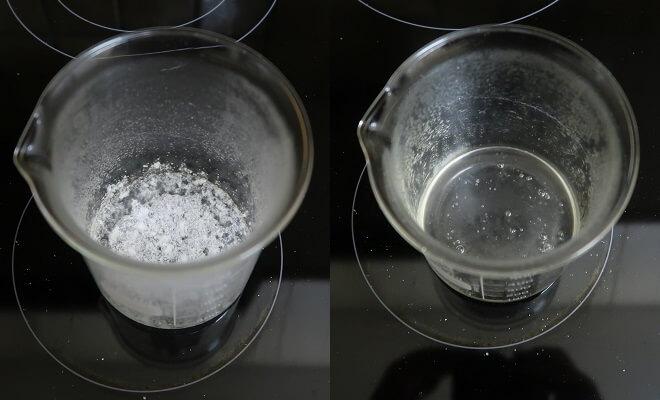 Natriumacetat löst sich in heissem Wasser.